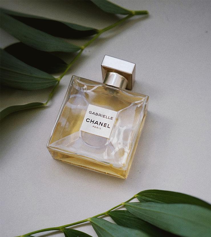 Cómo aplicar el perfume correctamente 1